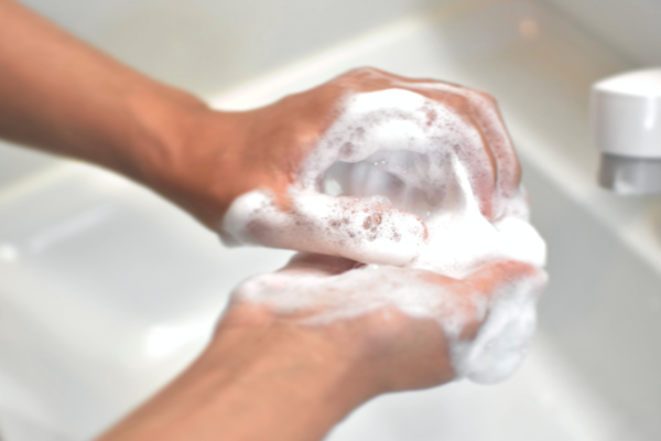 ZEROカラーケアフォーム 洗顔1