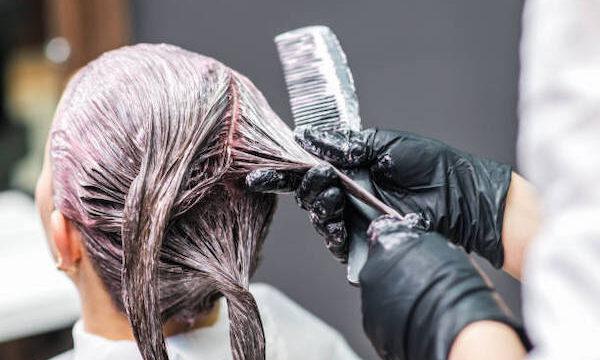 ヘアカラー 髪 傷む